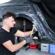 Karosserie- und Fahrzeugbaumechaniker_1920x1080