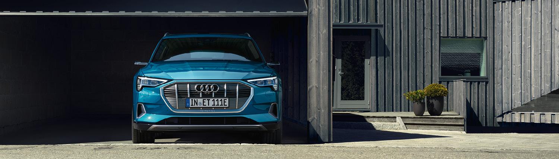 Audi e-tron Header